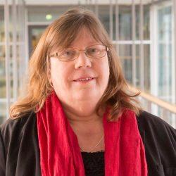 Spahn will Pflegekräfte zu Mehrarbeit motivieren. Pia Zimmermann: Was wir brauchen, ist eine Entlastung der Pflegekräfte.